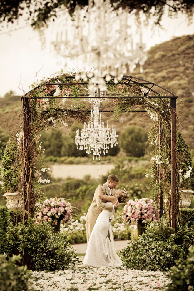 Top Outdoor Wedding Chandelier 660 x 990 · 684 kB · jpeg