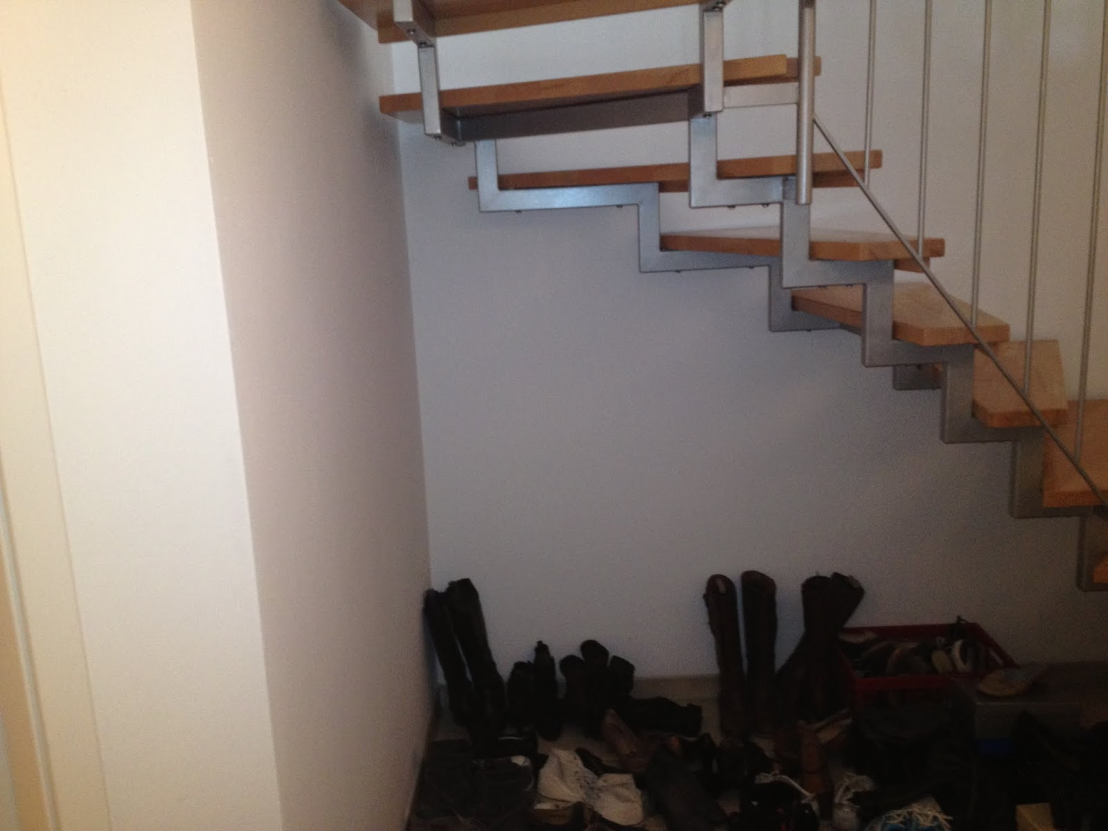Hobbywerker schuhregal unter der treppe for Schrank unter offener treppe