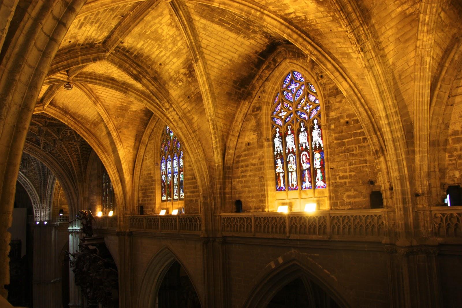 Un paseo por las cubiertas de la catedral de sevilla el - Catedral de sevilla interior ...