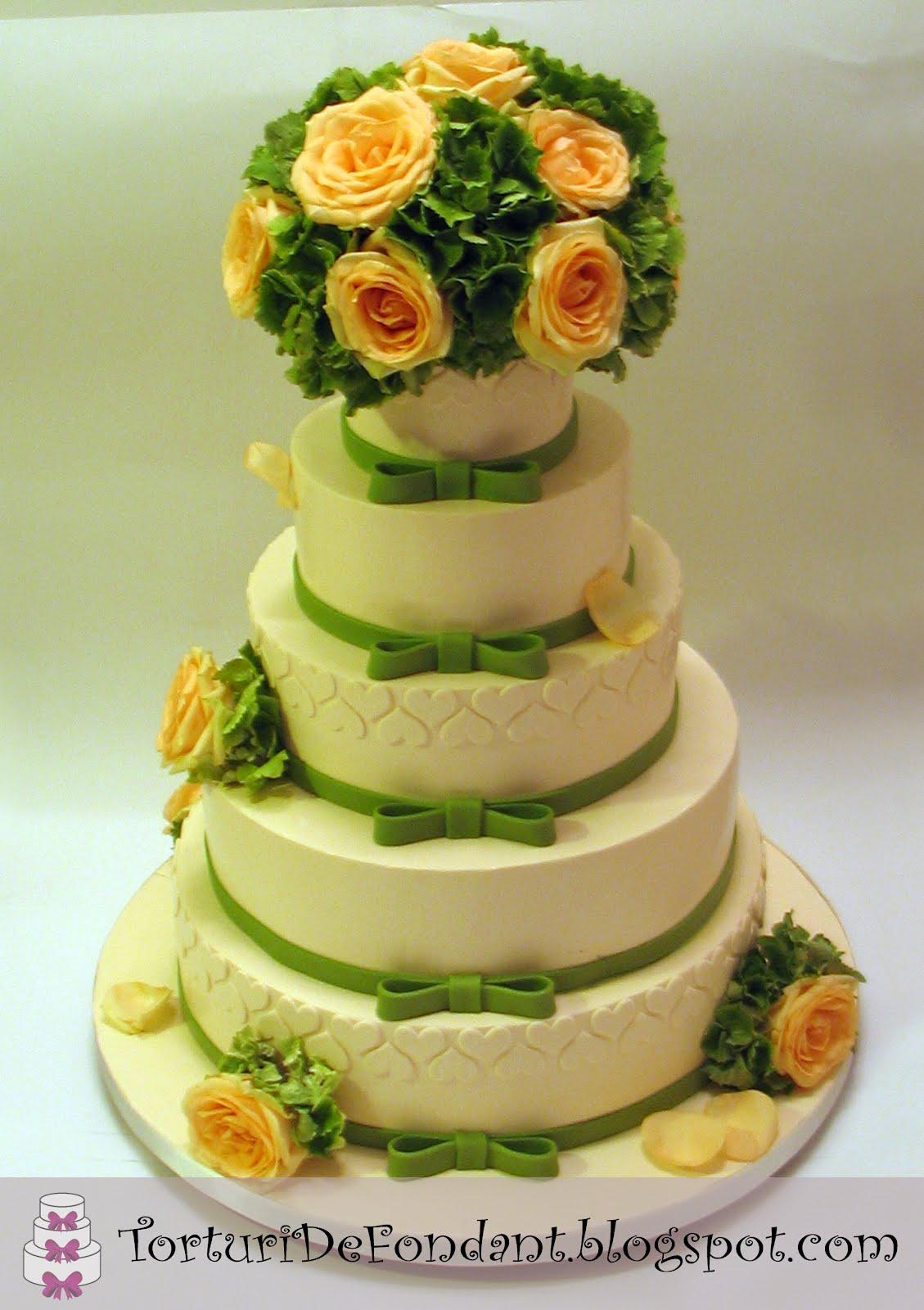 Nunta Cu Flori Naturale Torturi De Fondant
