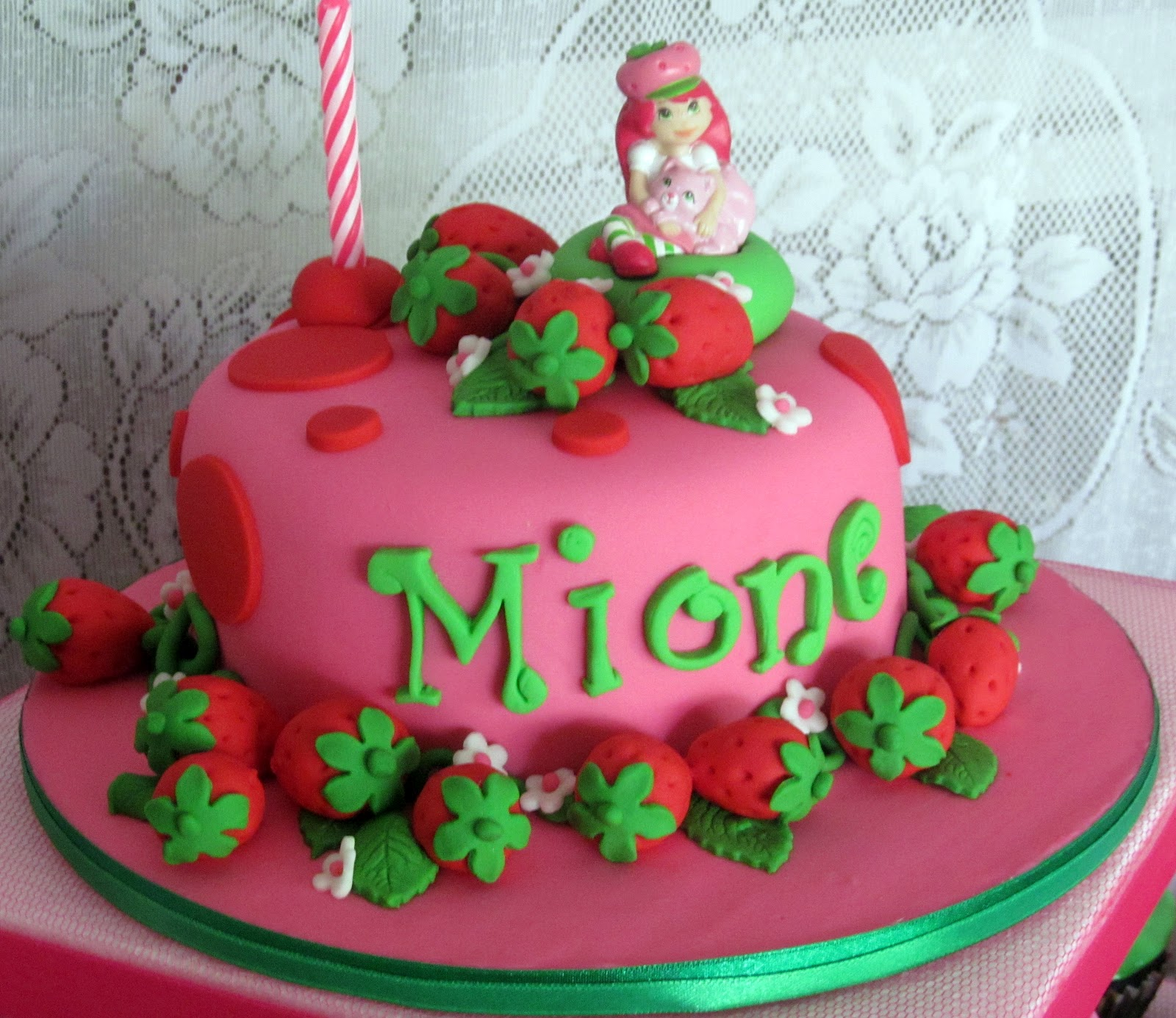 Biba Party Shop: Mione's Strawberry Shortcake Themed Cake II