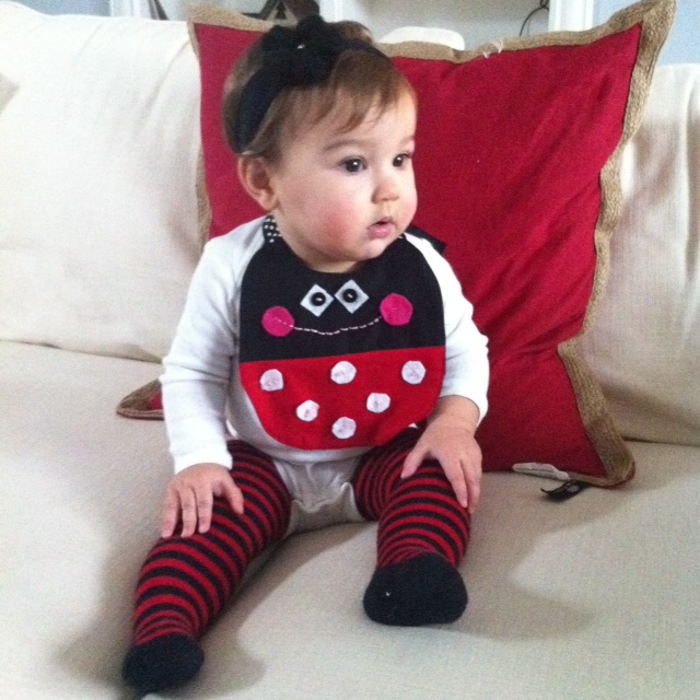 Scissors Fabric Glue: DIY Baby Bib TUTORIAL with FREE baby bib PATTERN
