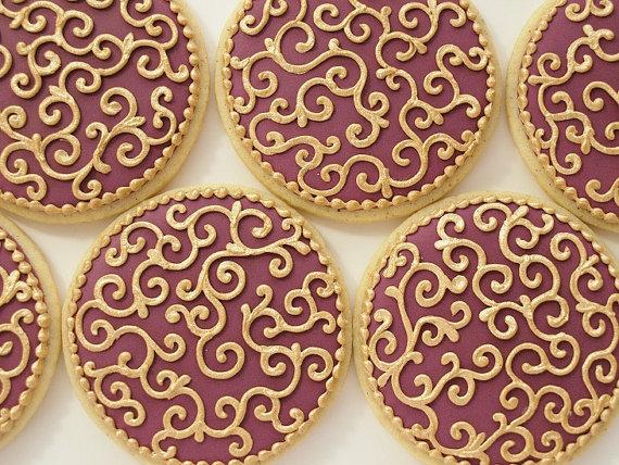 how to make burgundy royal icing