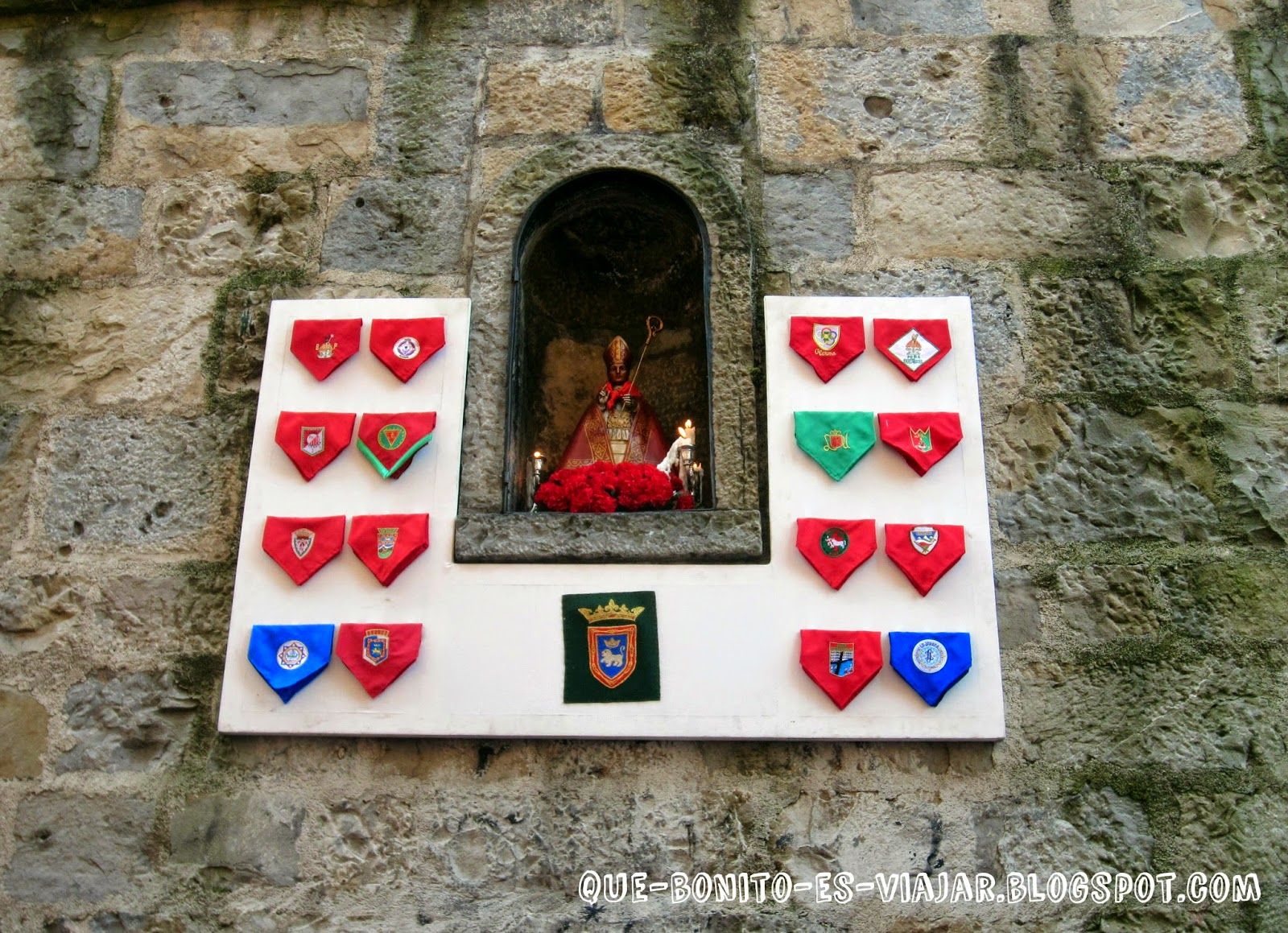 Imagen de San Fermín en el muro de la Cuesta de Santo Domingo