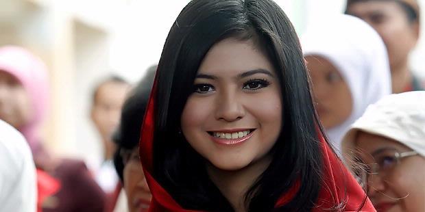 koleksi foto artis terbaru foto puteri indonesia 2009