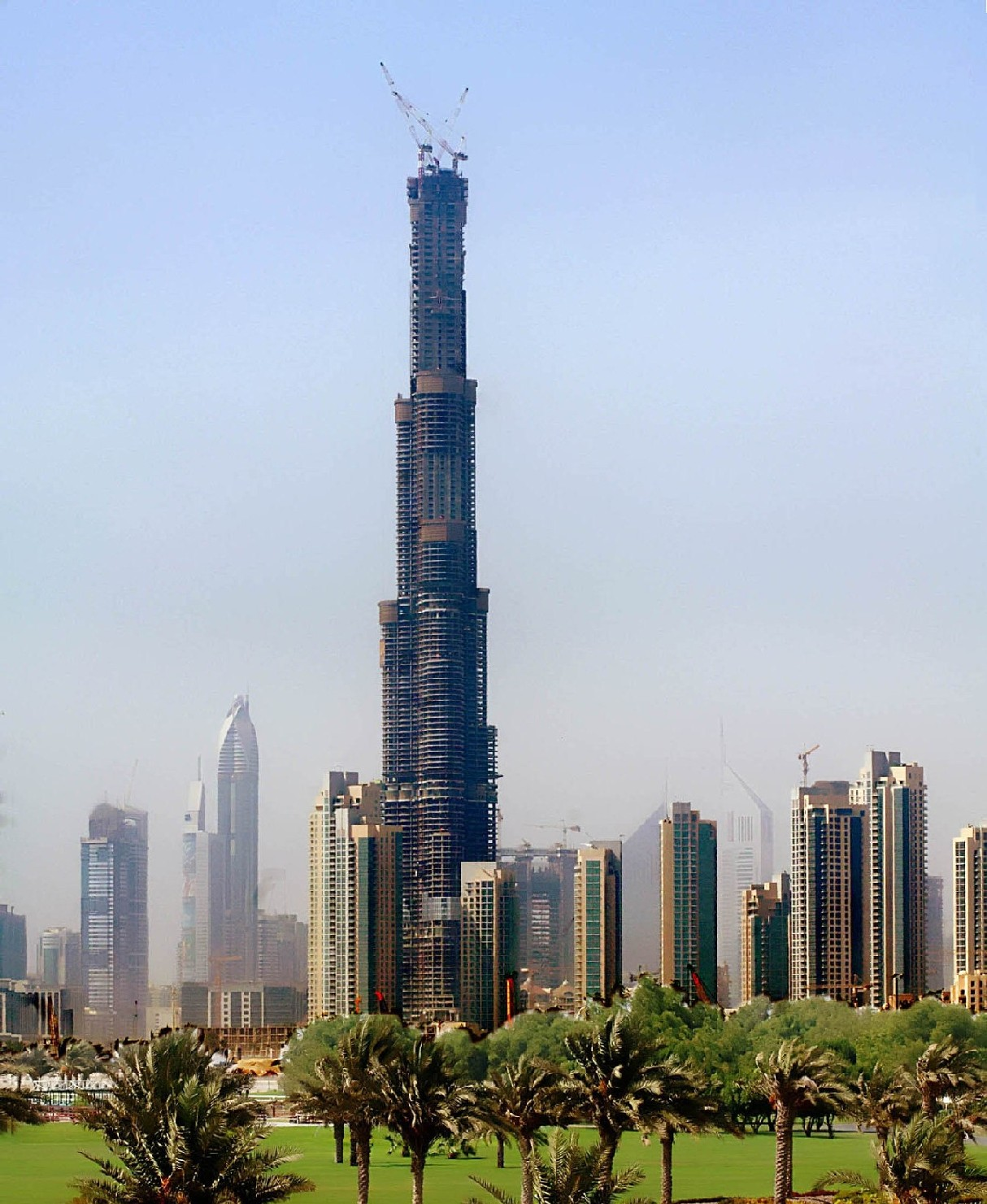 Dubai Tallest Building   Oslo City Photos
