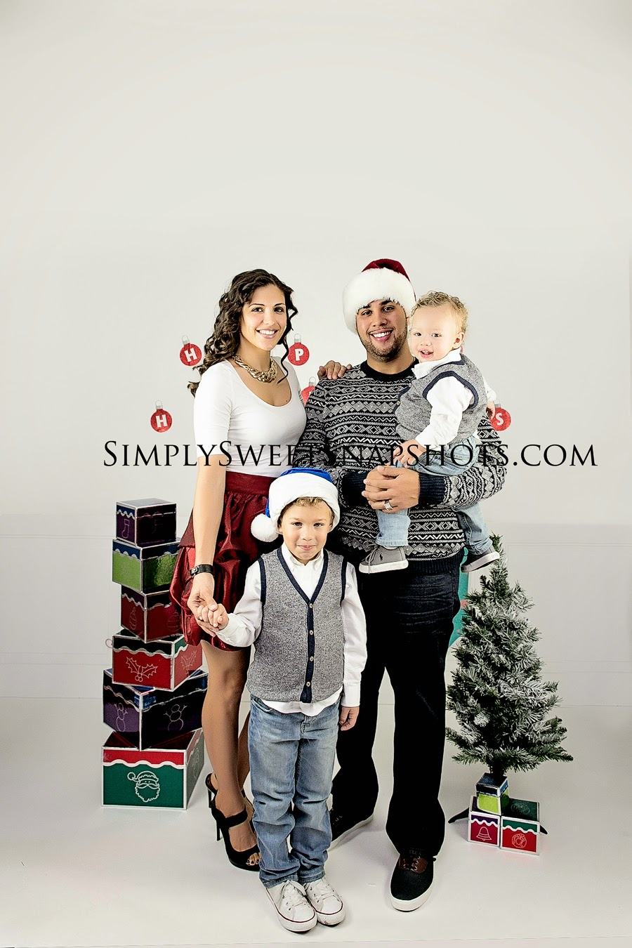 How Precious Is This Family They Wanted Their Very Own Full Holiday Shoot And Had Some Cute Ideas Great Outfit Combinations Also
