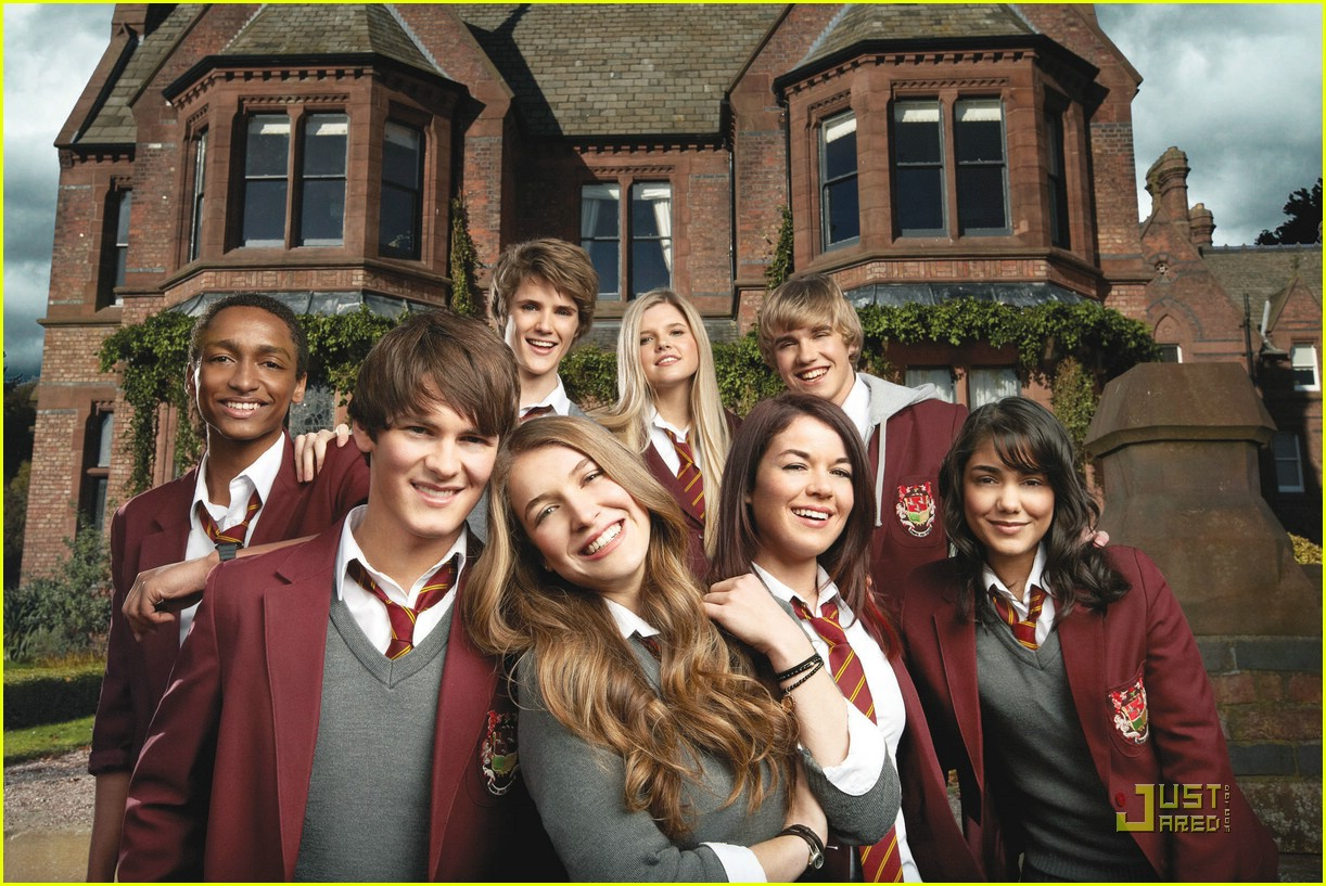 house anubis intro post brad kavanagh 03 Notice how much darker and more mature it looks. Ooh, scary: