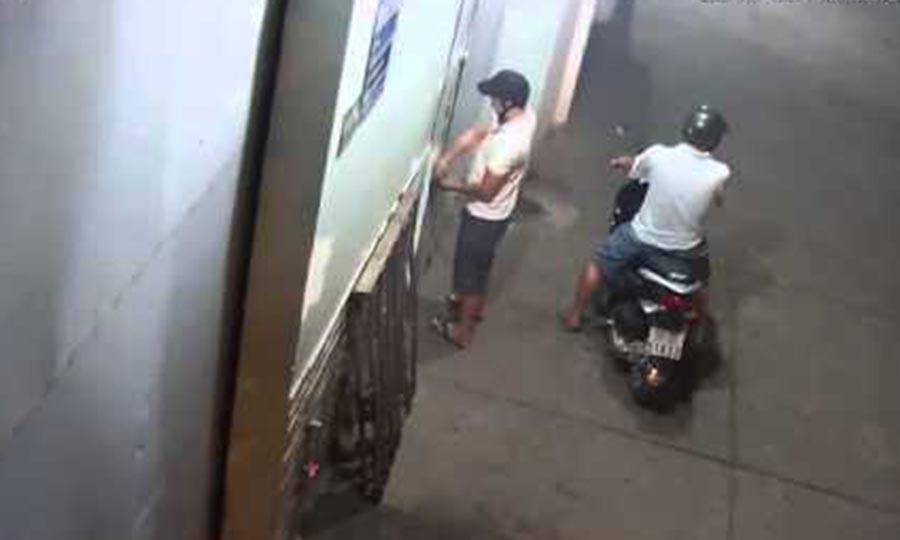 Gia Lai: Tên trộm có tài… cắt khóa