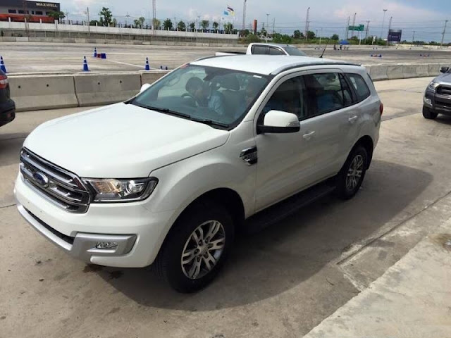 xe ford everest 2016 trang