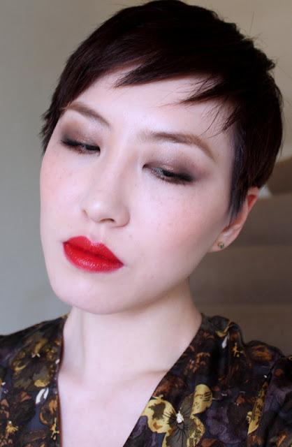 yellow dress red lipstick gremlin