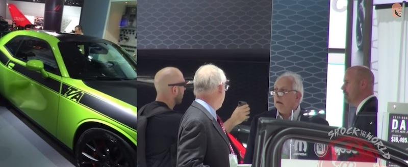 【動画】自動車ショー関係者をドキッとさせるアプリを使ったイタズラがスゴい!