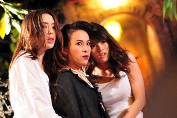 Ferang lesbian meet thai girls nude