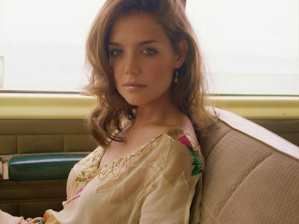 Katie Holmes American Hollywood Actress Sexy HD Wallpaper