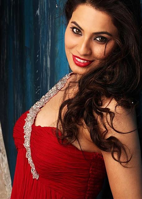 Manisha Kelkar hot and spicy pictures