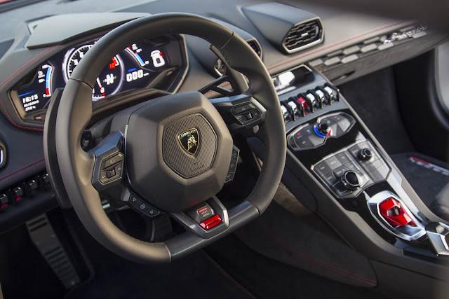 Lamborghini Huracan LP-580-2 x Ferrari 488 GTB - interior