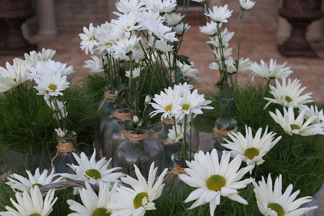 daisy and grass centerpiece