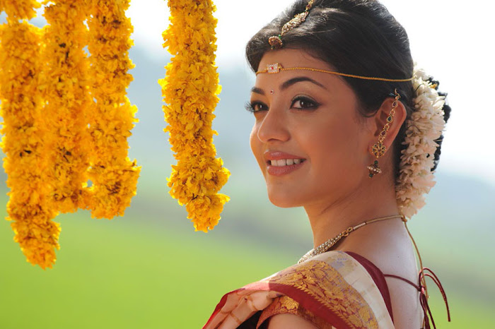 kajal agarwal saree from mrperfect movie unseen pics