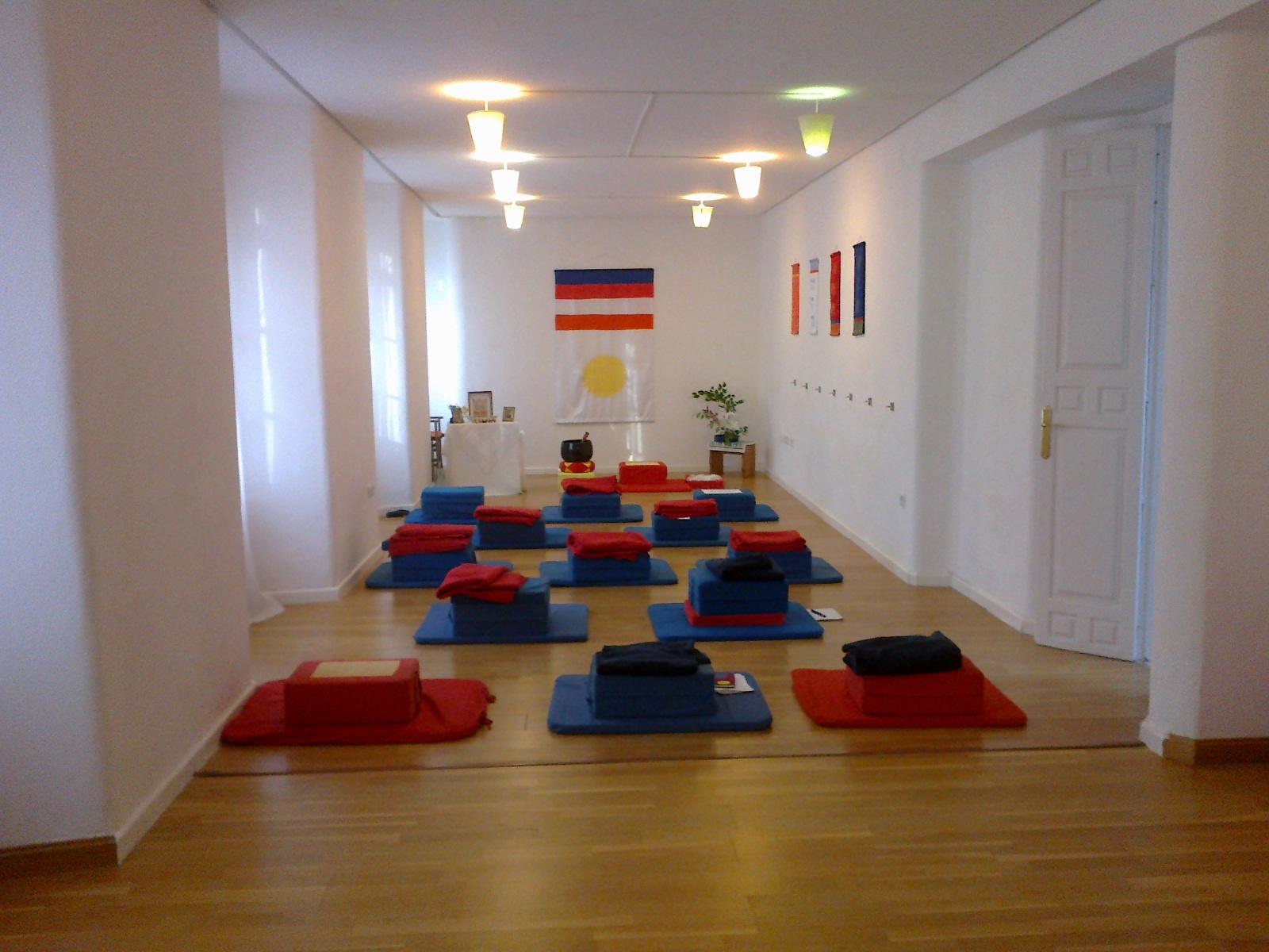 yoga sala m laga enero 2014