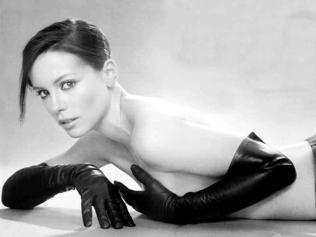 http://2.bp.blogspot.com/-7dXZCf6s_ZA/UBRhZ8_E8TI/AAAAAAAAB9c/30YsUBcw8vQ/s1600/Hot_Sexy_Kate_Beckinsale_Pack_1-86.jpg