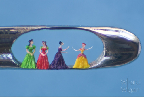 07-Willard-Wigan-Miniature-Art-and-Sculptures-in-The-Eye-of-a-Cinderella