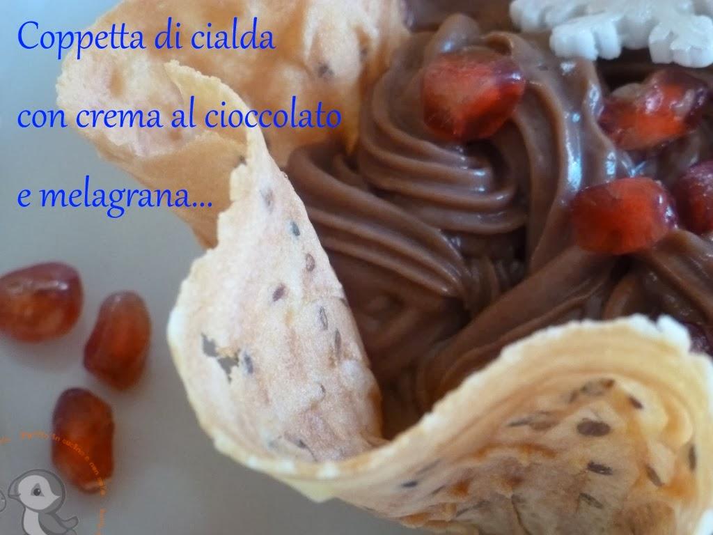 coppetta di cialda con crema al cioccolato e melagrana....una golosa tentazione...