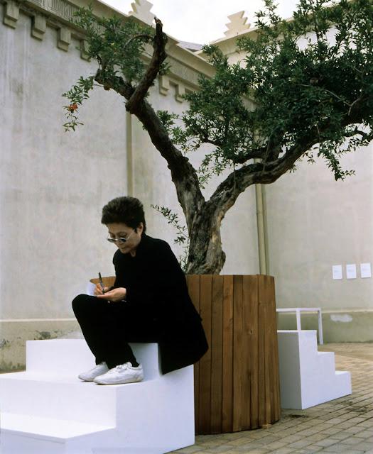 """Yoko Ono inaugurará """"Tierra de Esperanza"""" en el Museo Memoria y Tolerancia en Febrero"""