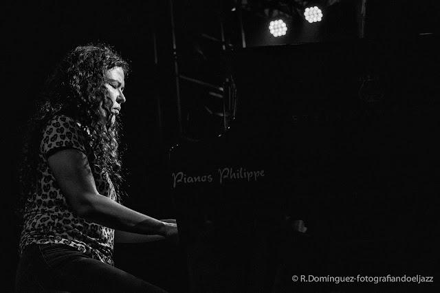 © R.Domínguez - Sylvie Courvoisier Trio