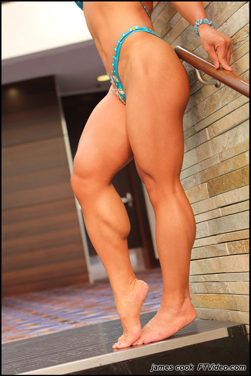 Michelle Jin Hot Female Muscle Bodybuilding Legs FTVideo