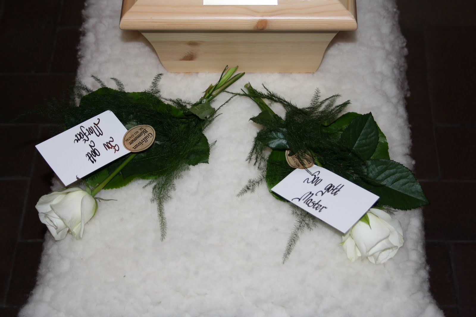 begravningstext på blommor