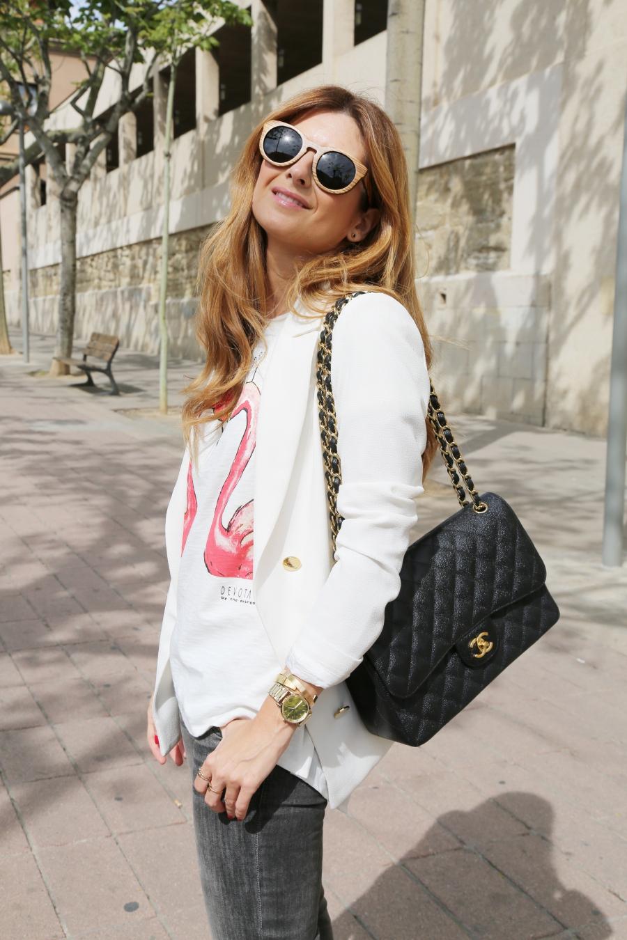 Look con Chanel 2.55