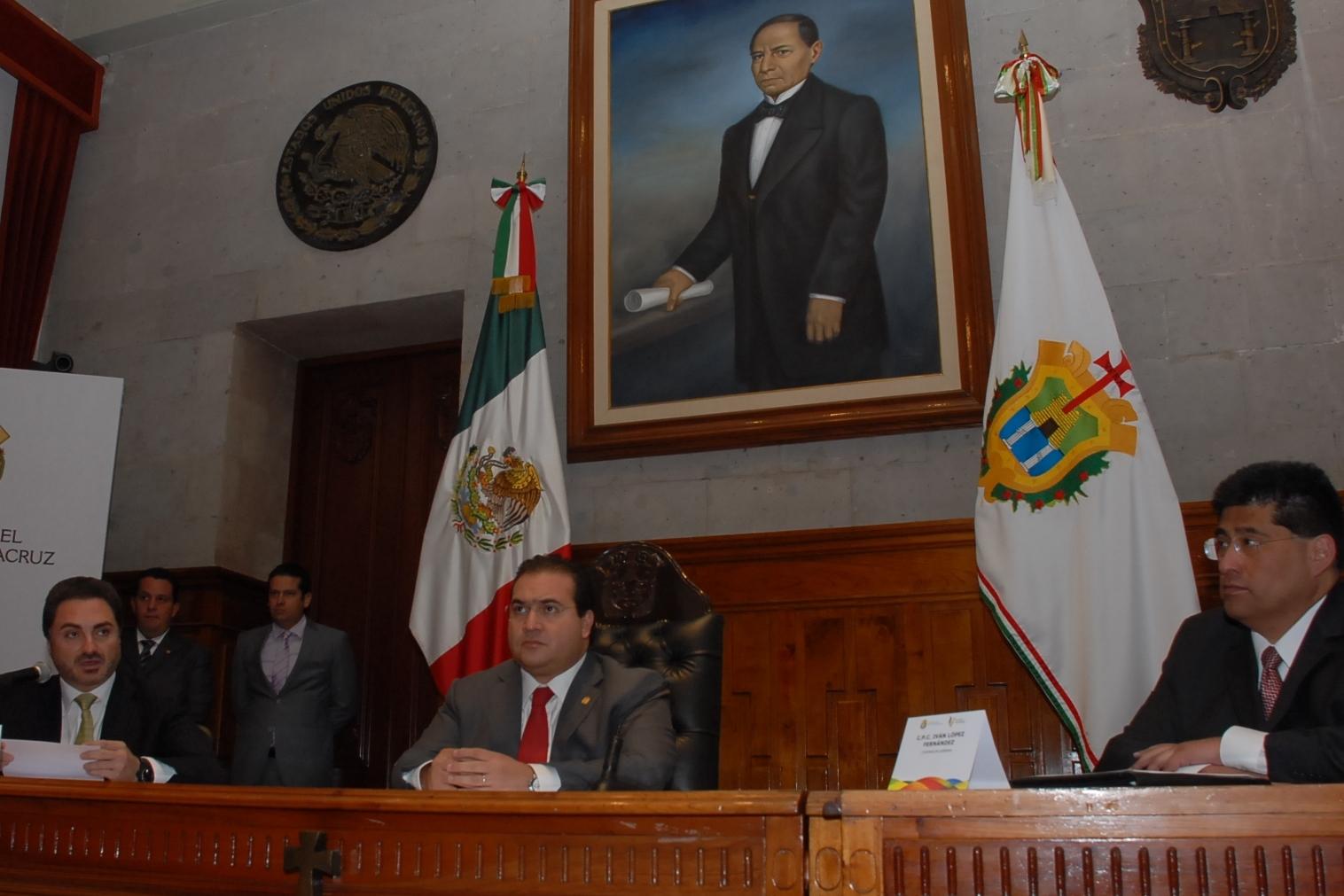 Xalapa, Ver., 04 de julio de 2011.- Al refrendar su compromiso de impulsar y ...