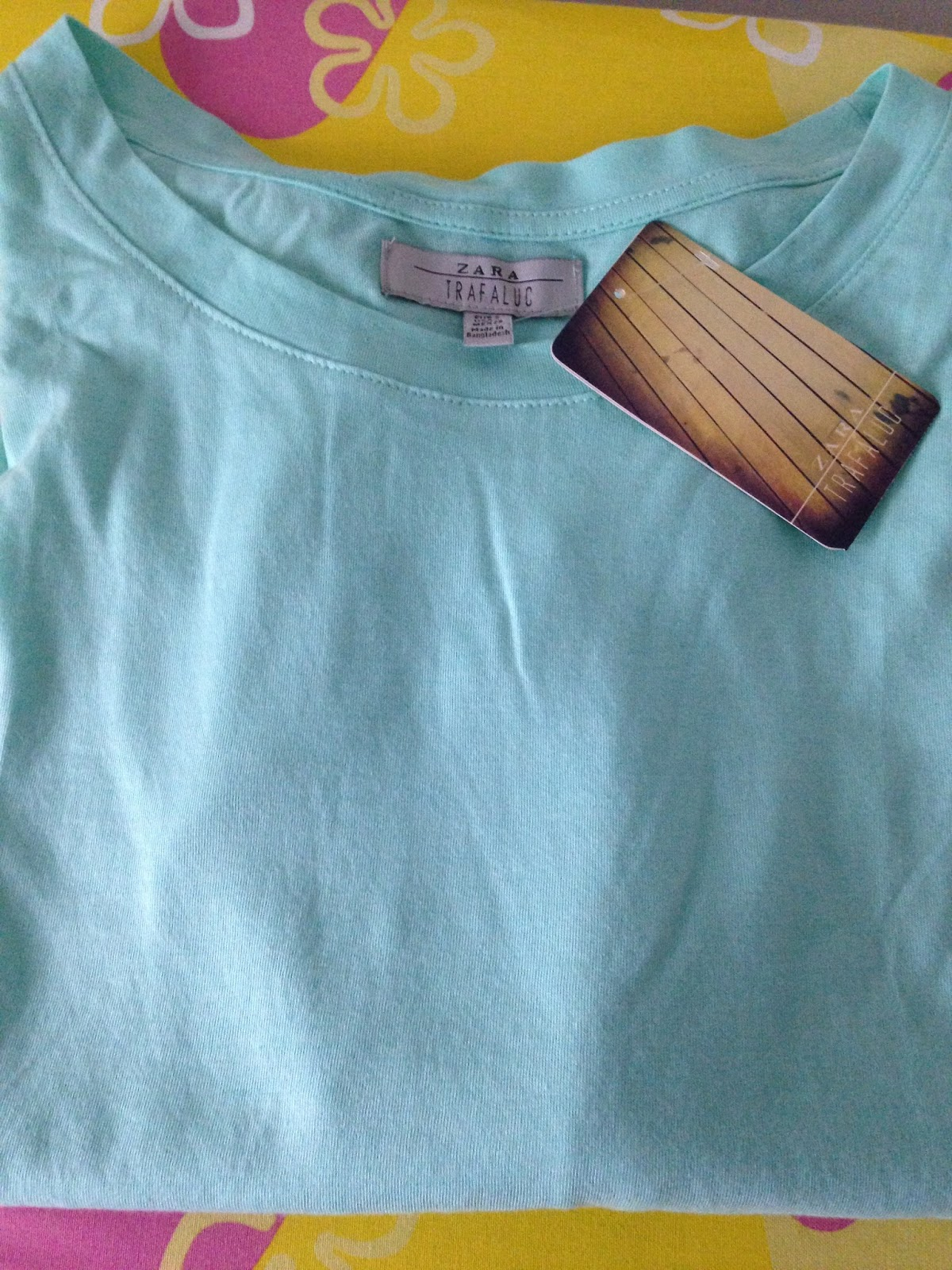 camiseta básica zara