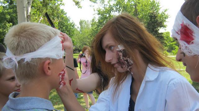 подготовка к параду зомби