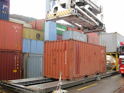 "Vom 20' See-Container zum ""Tala Mosika"" Business"