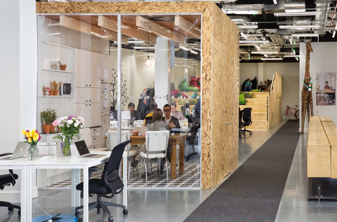 Ilia estudio interiorismo oficinas con un nuevo concepto for Oficinas de diseno industrial
