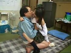 Cháu gái nghiện sex hiếp luôn ông