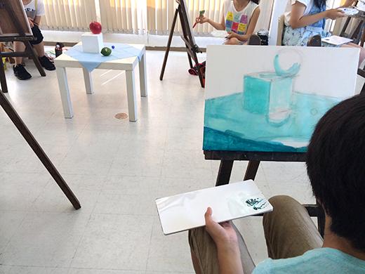 横浜美術学院の中学生教室 美術クラブ アクリルで描く「静物着彩」4