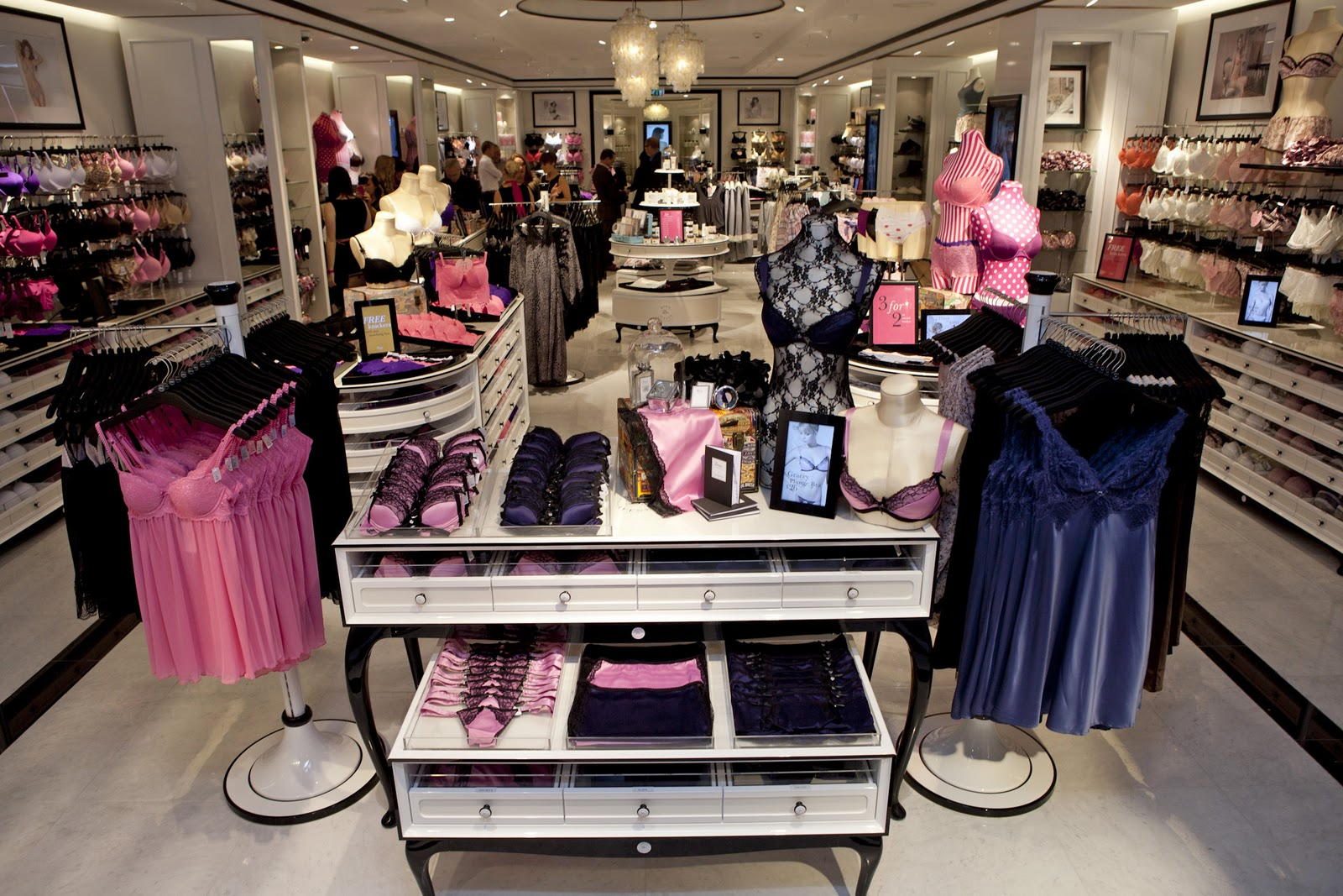 Be Annabell*: Boux Avenue Opens 7th Store