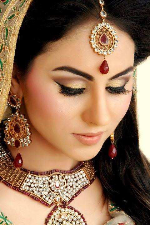 How To Do Bridal Makeup Base : Bridal Makeover 2012 Bridal Perfect Natural Base Makeup ...