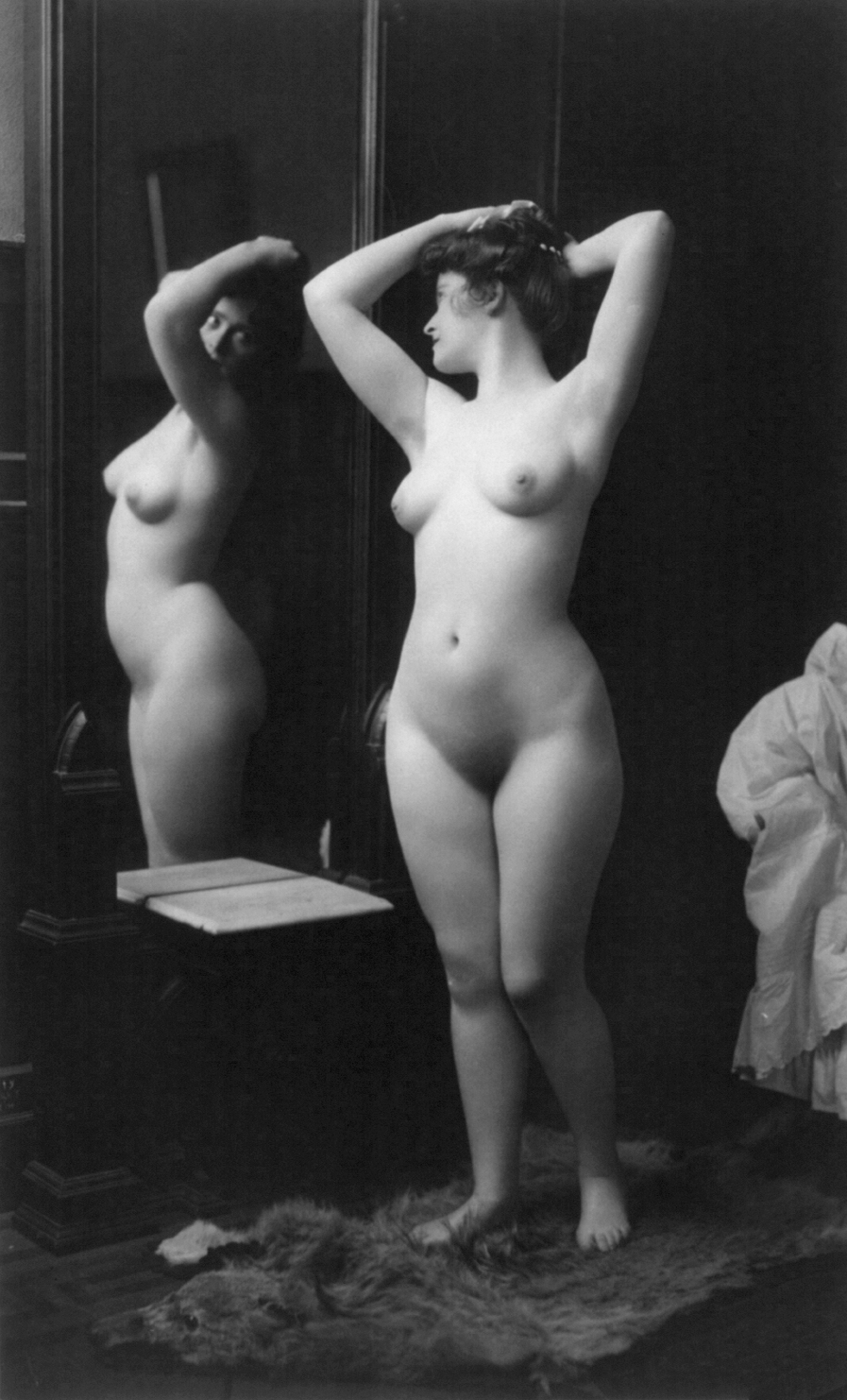Vintage female nudes
