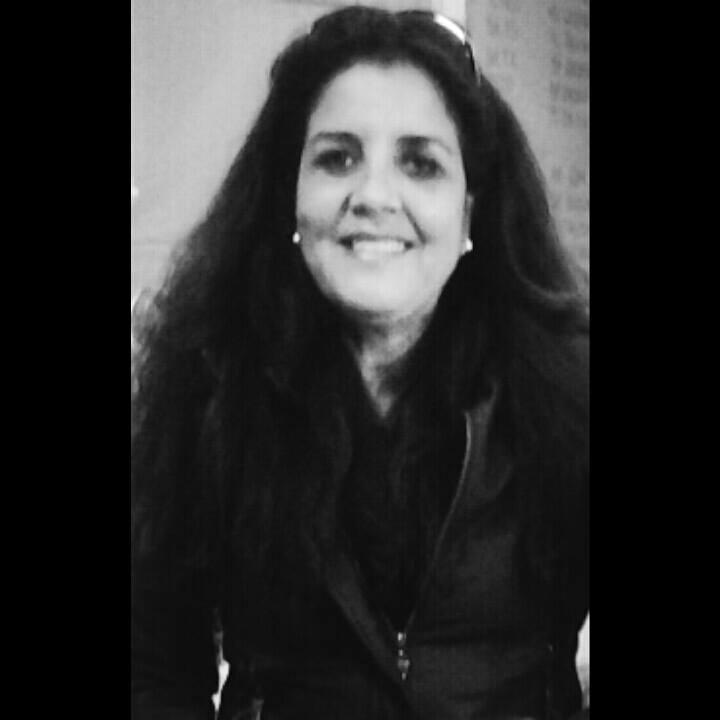 Claudia Romariz - professora