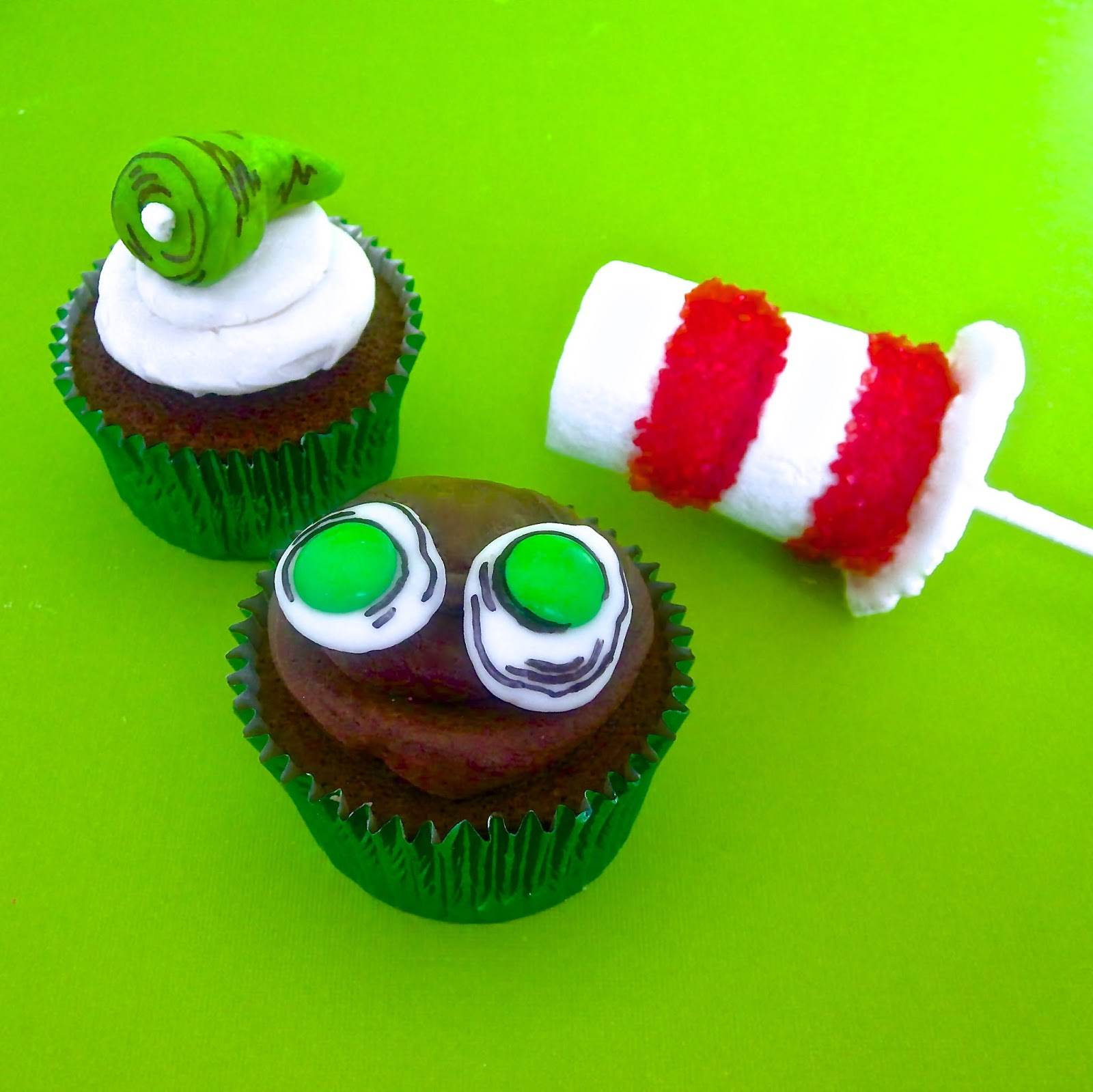 DIY Dr. Seuss Treats (Green Eggs & Ham Cupcakes // Cat In