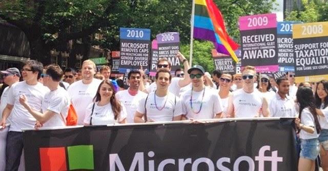 Nhân viên Nokia biểu tình chống Microsoft