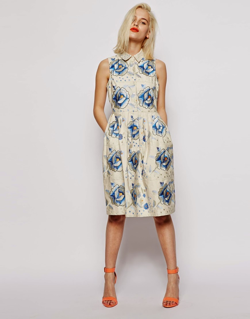 dress with collar and pockets