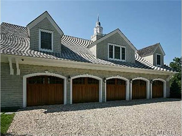 How many garages in mike francesa 39 s home bob 39 s blitz for How big is a 2 car garage