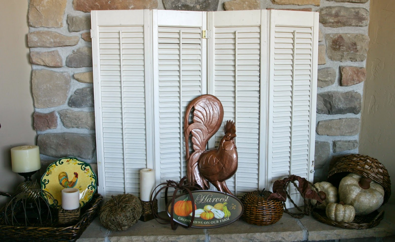 Adventures of a BusyBee: Fall Mantle with Sunflowers and Roosters