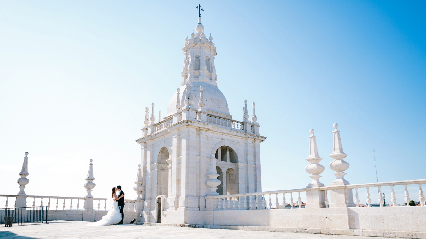 Jess and Fred's gorgeous destination wedding in Lisbon, Portugal. Photo by STUDIO 1208