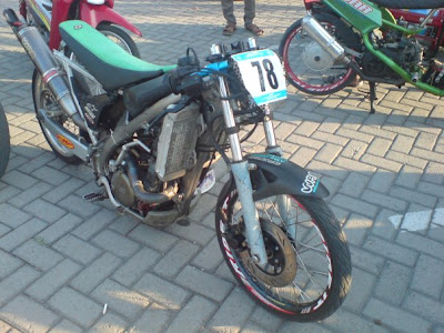 MOTOR DRAG Matic Drag | Racing look satria fu darag motor drag mio