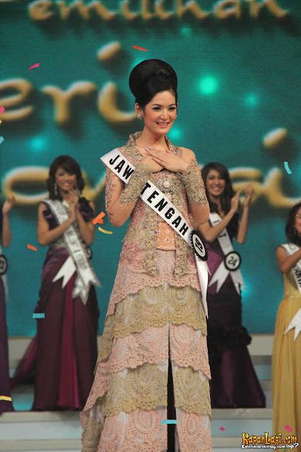 Maria Selena - Malam Pemilihan Putri Indonesia 2011..